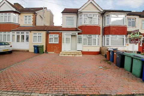 6 bedroom semi-detached house for sale - Turner Road, Edgware, HA8