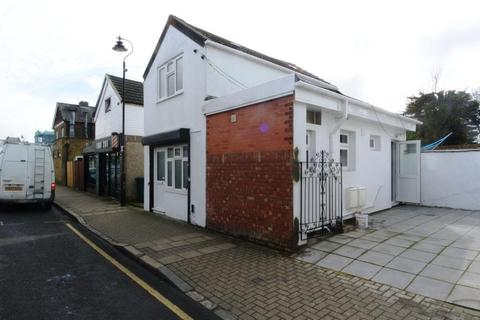 1 bedroom detached house to rent - Chatterton Road, London BR2