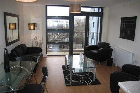 2 bedroom flat to rent - Maltings Close, London, E3