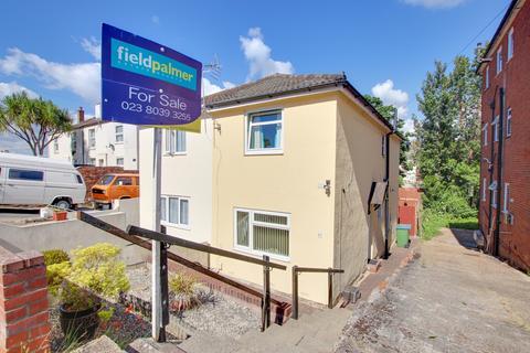 2 bedroom semi-detached house for sale - Glen Road, Woolston
