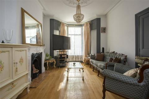 3 bedroom terraced house for sale - Kenmure Road, London, E8