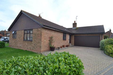 3 bedroom detached bungalow for sale - Beechcroft, Chestfield, Whitstable