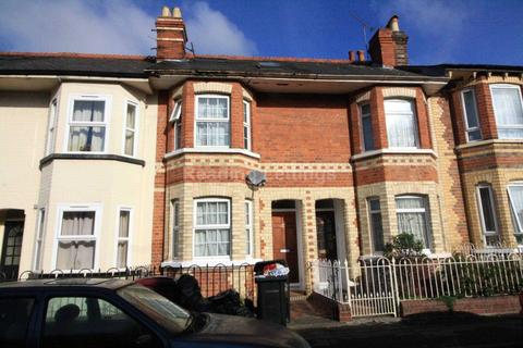 6 bedroom terraced house to rent - Swainstone Road