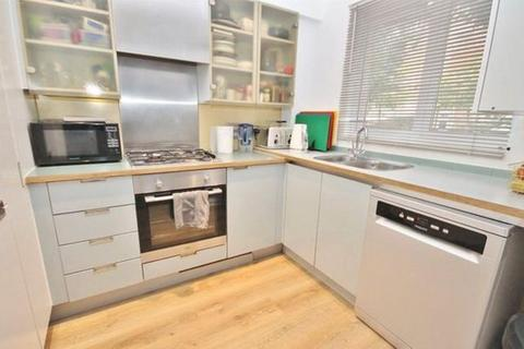 1 bedroom flat share to rent - Augustus Road , Southfields , London SW19