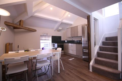 3 bedroom apartment to rent - Bailey street, Exeter