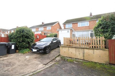 3 bedroom semi-detached house to rent - Hawkswood Close, Chilwell