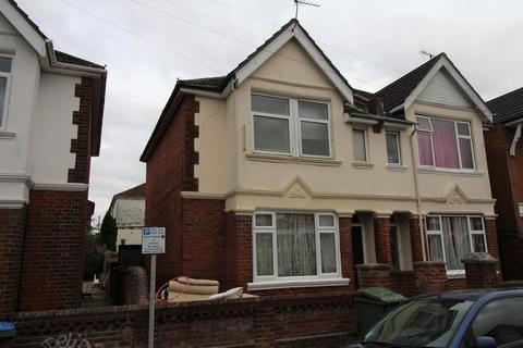 6 bedroom semi-detached house to rent - Harborough Road, Southampton