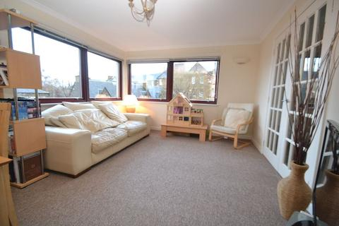 2 bedroom flat to rent - Arthur Street, Edinburgh               Available 23rd January