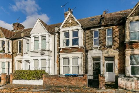 3 bedroom apartment for sale - Harley Road, London