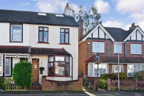 3 bedroom semi-detached house for sale - Diceland Road, Banstead, Surrey