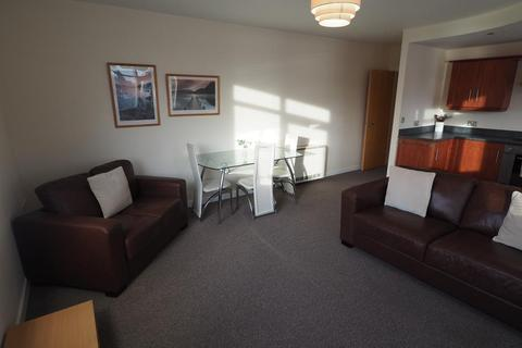 2 bedroom apartment to rent - Trinity Wharf, 52 - 58 High Street, Hull, HU1 1QE