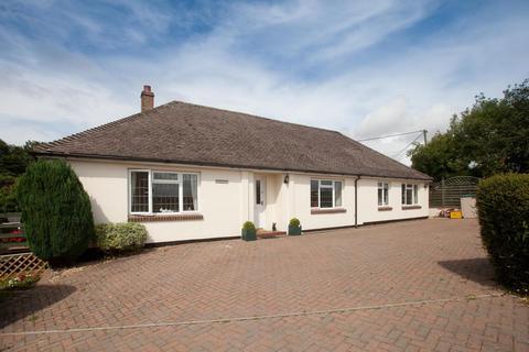 3 bedroom detached bungalow to rent - Mill Lane, Winterslow