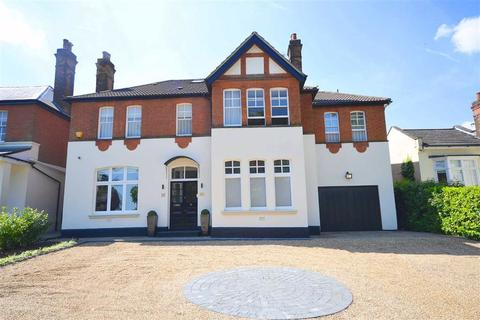 5 bedroom detached house to rent - Crescent East, Hadley Wood, Hertfordshire