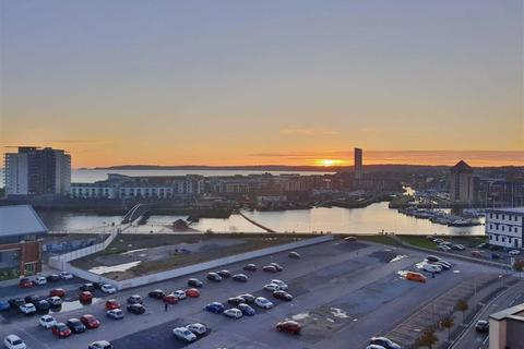 2 bedroom penthouse for sale - South Quay Kings Road, Marina, Swansea