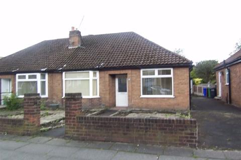 3 bedroom semi-detached bungalow to rent - Moston Lane East, Manchester