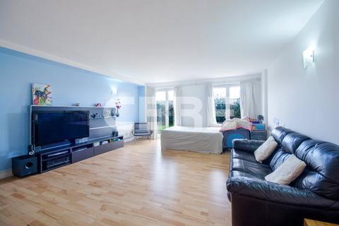 2 bedroom apartment to rent - Vanguard Building, Docklands, E14