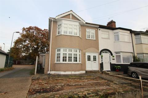 3 bedroom end of terrace house for sale - Park Lane, Hornchurch