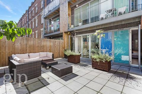1 bedroom flat to rent - Dufours Place, Soho, W1F