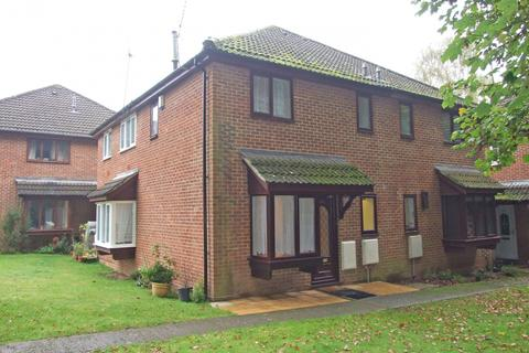 1 bedroom terraced house to rent - Langtons Meadow, Farnham Common, SL2