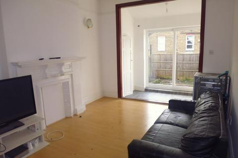 4 bedroom end of terrace house to rent - greyswood road, Tooting Broadway Tooting bec, Balham, London SW16