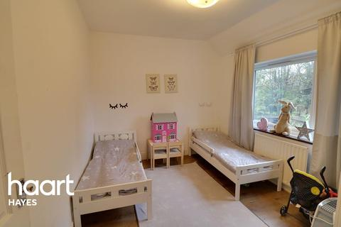 3 bedroom semi-detached house for sale - York Avenue