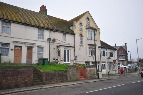 Studio to rent - Risborough Lane Folkestone CT19