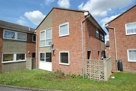 2 bedroom ground floor maisonette to rent - Knowles Close, Halstead CO9