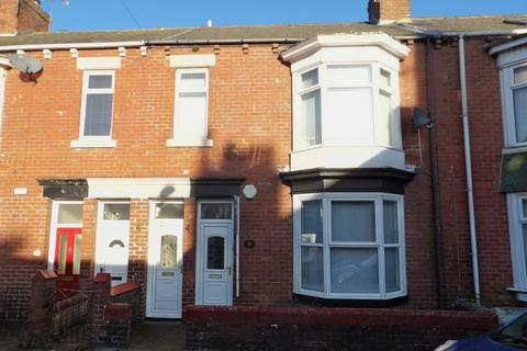 2 bedroom flat for sale - Armstrong Terrace, West Park, South Shields, Tyne and Wear, NE33 4LE