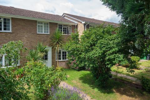 3 bedroom terraced house for sale - Clement Court, Allington, ME16