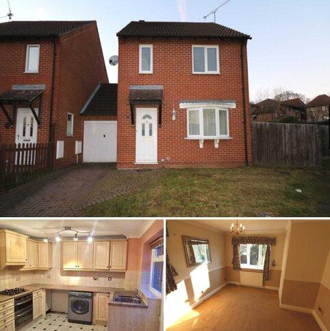 3 bedroom semi-detached house to rent - Three Bedroom house on Warnsham Close, Lower Earley.