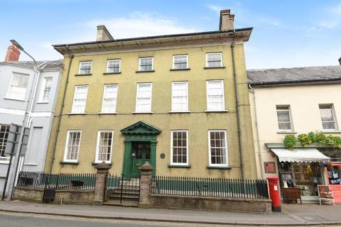 2 bedroom apartment to rent - The Struet, Brecon, LD3