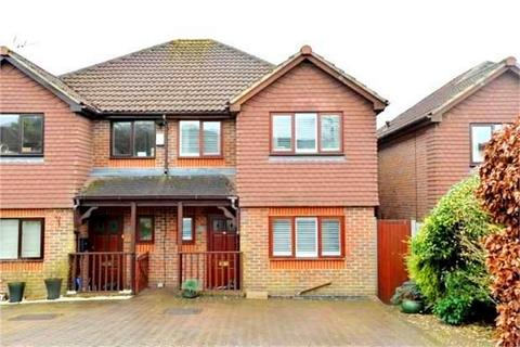 3 bedroom semi-detached house for sale - 42 Dynes Road, Kemsing, SEVENOAKS, Kent