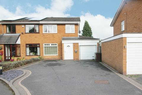 3 bedroom semi-detached house for sale - Myton Drive, Shirley