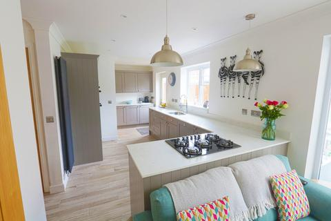 4 bedroom detached house for sale - Regent Drive, Billericay