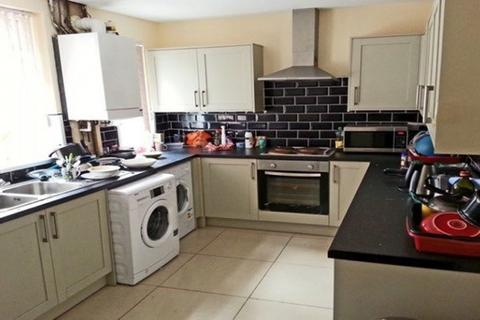 6 bedroom house to rent - Haydn Avenue, Rusholme, Manchester
