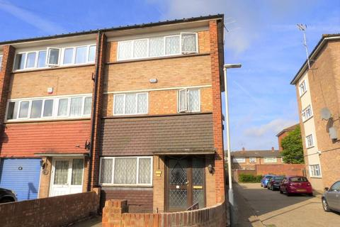 4 bedroom terraced house for sale - Byron Way, West Drayton, UB7 9JD