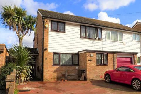 4 bedroom semi-detached house for sale - Cambridge Close, Harmondsworth, UB7 0AN