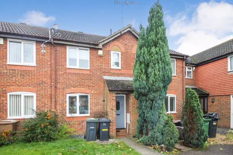 2 bedroom terraced house to rent - Kidner Close, Luton