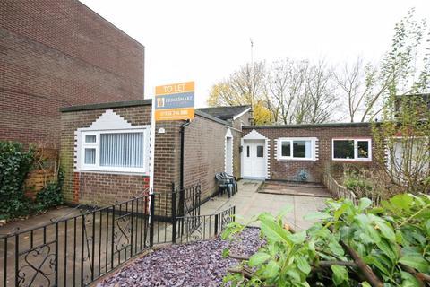 3 bedroom bungalow to rent - Handforth Lane, Runcorn