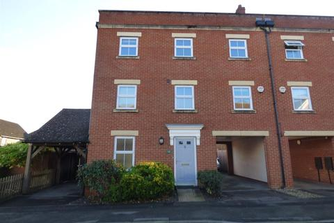 4 bedroom townhouse to rent - Imperial Way, Ashford