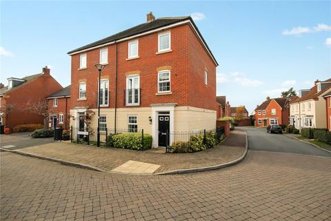 3 bedroom semi-detached house for sale - Isambard Way, Swindon, Wiltshire, SN25