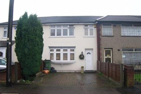 3 bedroom house to rent - Maybank Avenue, Hornchurch