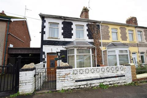 2 bedroom end of terrace house for sale - Dobbins Road, Barry