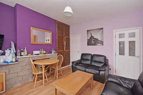 4 bedroom house to rent - 240 School Road, Crookes