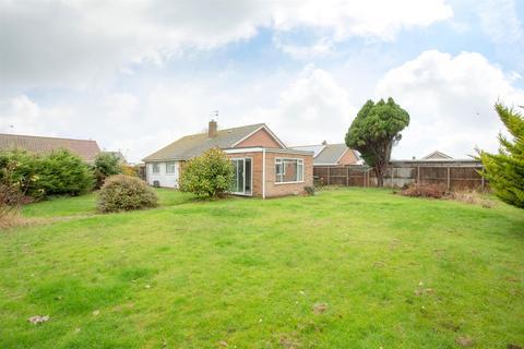 3 bedroom detached bungalow for sale - Cunningham Crescent, BIRCHINGTON
