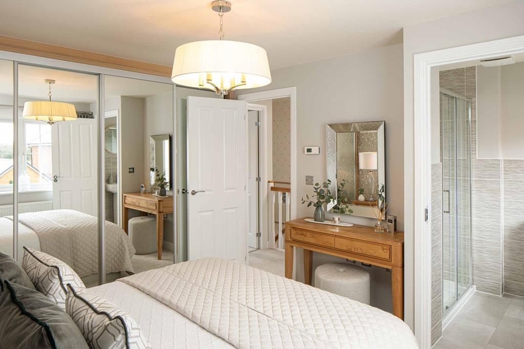 Thornbury Main bedroom 2