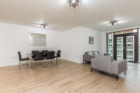 3 bedroom apartment to rent - Fuse Building, E8