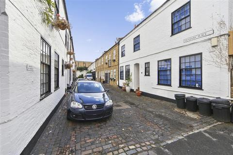 2 bedroom mews to rent - Ernshaw Place, SW15
