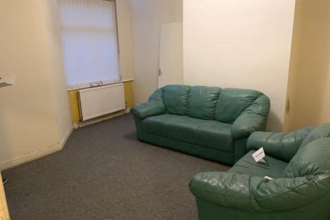 4 bedroom terraced house to rent - Grandale Street, Rusholme, Manchester M14