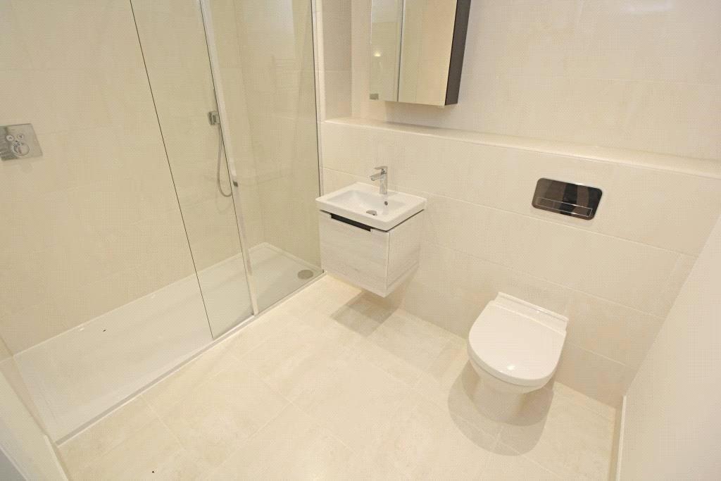 Flat 21 Bathroom